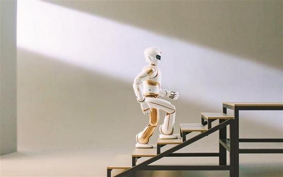 优必选仿人机器人Walker X。